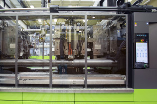 Technical Moulding: tie-bar-less technology for best-in-class consistency
