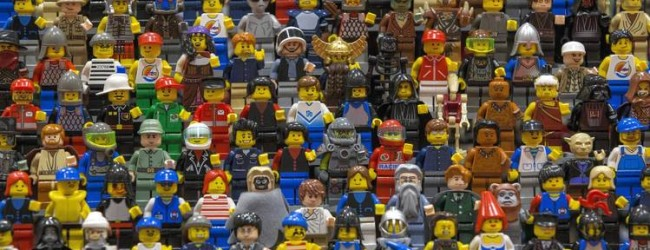 Lego To Replace Oil-Based Plastics