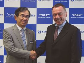 Mr. Sato, Senior Vice President of Toray and Dr. Weiland, CEO & Partner of Kautex Maschinenbau