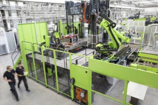 Engel at JEC world: maximum efficiency for complex composite processes